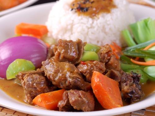 咖喱炖牛腩