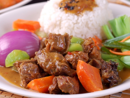 Curry stewed sirloin